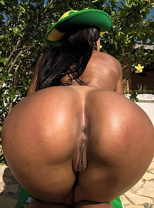 Hot Big Brazilian Ass Porn Pictures