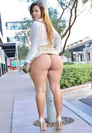 Hot Big Ass Public Porn Pictures