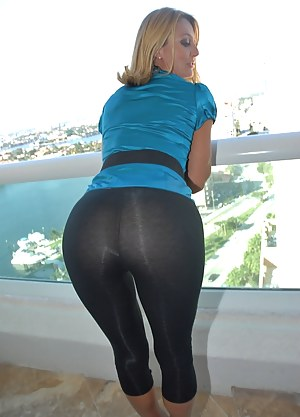 Hot Big Ass Yoga Pants Porn Pictures