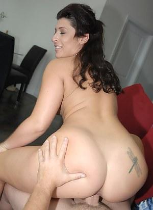 Hot Big Ass Brunette Porn Pictures