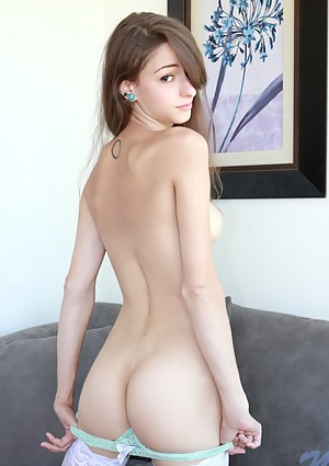 Hot Young Big Ass Porn Pictures